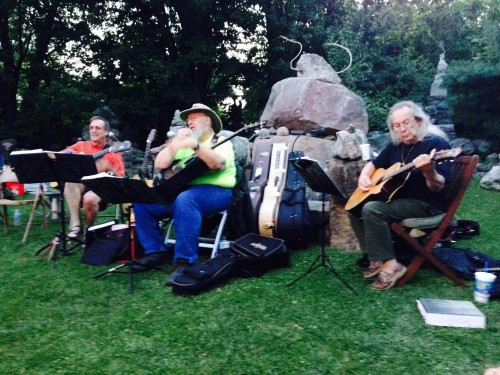 Some of the regular guitar players that entertain each other and the audiences.